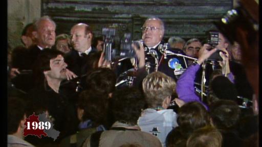 Helmut Kohl am Rathaus Schöneberg